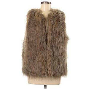 🌻 Altar'd State Faux Fur Vest